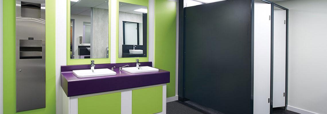 Как спустить воду в туалете, когда вода выключена